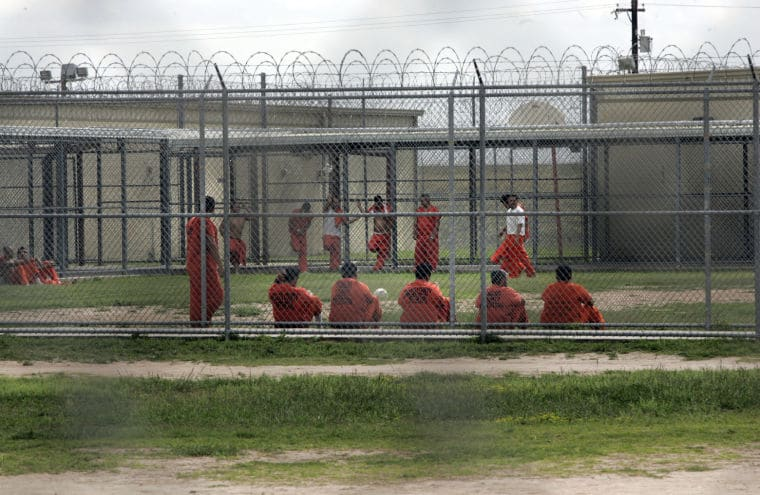Texas to Move 1,000 Inmates Following Judge's Ruling over Excessive Prison Heat 1