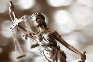 Key-Differences-Between-State-and-Federal-Courts-in-Criminal-Defense-Cases
